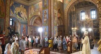 Скільки українців вважають себе віруючими: результати опитування
