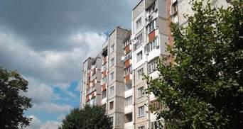 Мужчина выпал из окна многоэтажки в Одессе: обнародовали видео с места трагедии