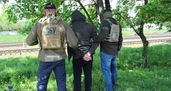 Збирав для кураторів відомості про українських військових: СБУ викрила агента спецслужб Росії