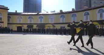 Хвастался перед девушками: задержали парня, обстрелявшего часть Нацгвардии в Киеве