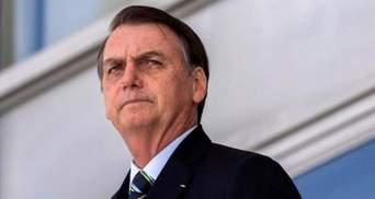 Собирал людей на массовые акции: президента Бразилии оштрафовали за нарушение карантина
