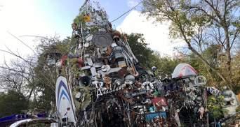 "Американец построил ""храм"" из 60 тонн мусора"