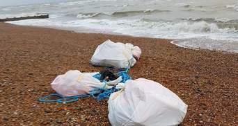На пляжі у Великій Британії знайшли майже тонну кокаїну