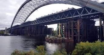 В Киеве обыски еще не закончились: пришли в КП, которое строит Подольский мост
