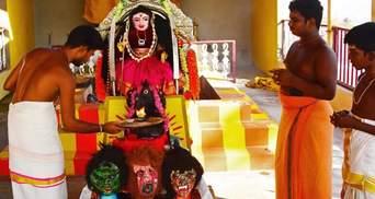 В Індії поклоняються богині коронавірусу: моляться та залишають їжу – відео