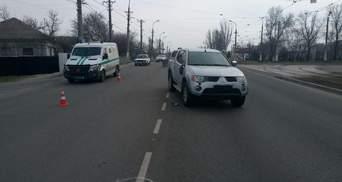 КОРДовец в Мариуполе сбил двух школьниц-сестер: ему объявили подозрение