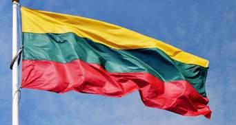 Литва высылает 2 белорусских дипломатов в знак солидарности с Латвией