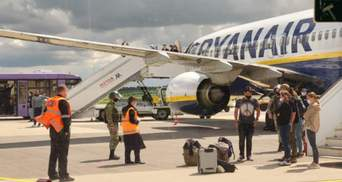 """Вкотре передумали: у Білорусі зробили нову заяву про """"замінування"""" літака Ryanair"""