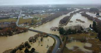 Нову Зеландію накрила найсильніша за останні 100 років повінь: фото, відео наслідків стихії