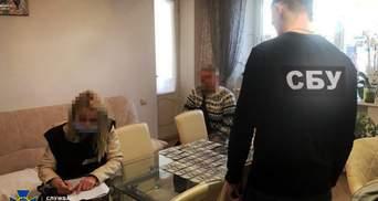 Вимагала 8 тисяч доларів в учасника АТО: у Львові затримали лікарку-хабарницю – фото і відео