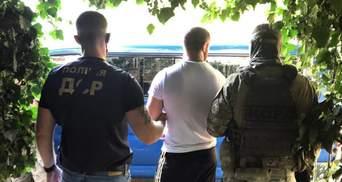 Забирали житло померлих і викрадали людей: на Одещині викрили банду шахраїв – фото