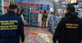 Вилучили наркотиків на 2 мільйони: у Харкові викрили мережу аптек – фото, відео