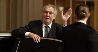 Сенат Чехії хоче відсторонити президента Земана, уряд – проти
