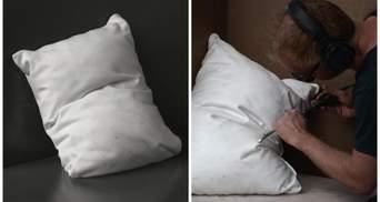 Так і хочеться на них лягти: художник створює реалістичні подушки з мармуру