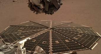 Марсіанський апарат насипав на сонячні панелі піску, щоб почистити їх від пилу: відео