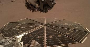 Марсианский аппарат насыпал на солнечные панели песок, чтобы почистить их от пыли: видео