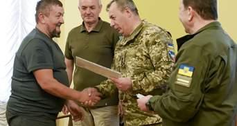 """Через 7 років: 26 добровольців """"Айдару"""" нарешті отримали посвідчення УБД – фото"""