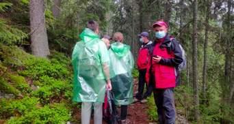 Поднимались на гору Хомяк: в Карпатах спасатели отыскали заблудившихся туристов – фото