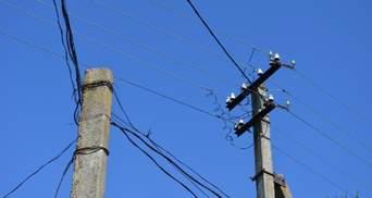 Зачепила електромережу під час риболовлі: на Полтавщині 8-річна дівчинка опинилася в реанімації