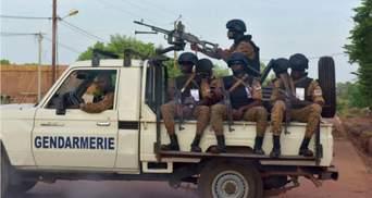 Знайшли тіла у братніх могилах: кількість загиблих внаслідок теракту у Буркіна-Фасо зросла