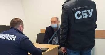 Владельцами 6 краденых участков в Брюховичах оказались родственники таможенника из списка СНБО