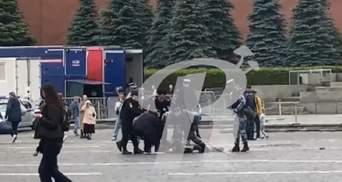 В Москве мужчина выстрелил себе в голову на одиночном пикете