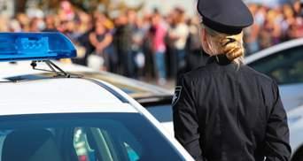 Знайшла підробіток: на Херсонщині поліцейську вигнали з роботи