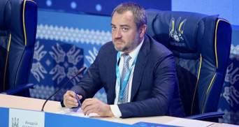 """Никому не поднимется рука, – Павелко об ответе УЕФА по требованию стереть надпись """"Героям слава"""""""