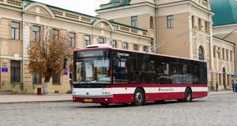 Слідом за Львовом: ще одне місто на Західній Україні підвищує вартість проїзду