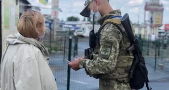 Окупанти не пропускають українців: рух у більшості пунктах пропуску заблокований