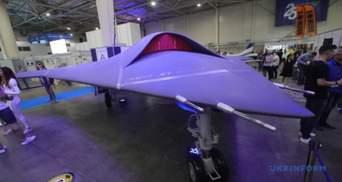Високотехнологічна розробка: у Києві презентували бойовий дрон, який не має аналогів у світі