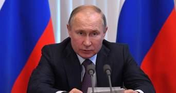 Кремль приречений триматися за свої власні символи віри, – Казарін