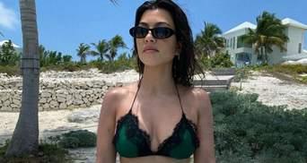Улыбающаяся и в бикини: Кортни Кардашян завела сеть роскошным телом