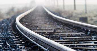 Погиб под колесами поезда: в Ходорове на железнодорожной станции нашли тело мужчины