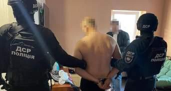 На Киевщине британка с сообщниками похитила гражданина Латвии: фото