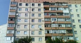 Во Львове из окна 5 этажа выпал мужчина