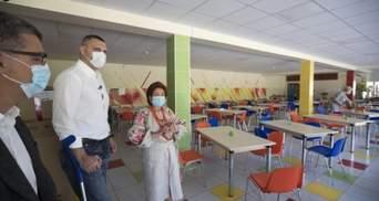Директора школ в Киеве получают зарплату от 25 до 30 тысяч гривен, – Кличко