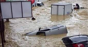 Вода сметает все на своем пути: в Ялте объявили чрезвычайную ситуацию из-за ливней