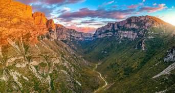 Як виглядає найглибша у світі ущелина Вікос: дивовижні фото