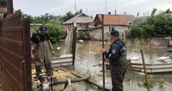 Юг Украины страдает от ливней и шквального ветра: шокирующие последствия – видео