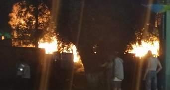 Все в огне: в Ужгороде горел цыганский табор – жуткие фото, видео