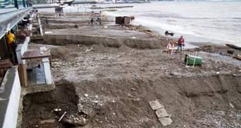 Массовая эвакуация, разрушенные пляжи и погибшие: непогода в Крыму наделала бед – фото