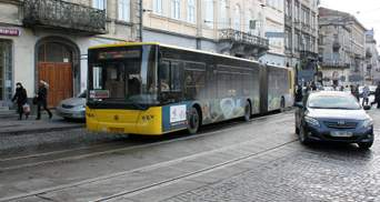 Во Львове водителя автобуса оштрафовали на 34 тысячи гривен за стоячих пассажиров