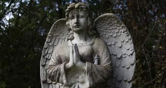 Ученые рассказали, когда люди начали хранить вещи на память об умерших