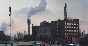 Неудачно покурили на заводе: в Каменском почти сгорели 2 человека
