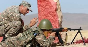 Азербайджан та Вірменія звинуватили один одного в обстрілі військових позицій