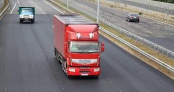 Перевантажений транспорт автоматично фіксуватимуть: Зеленський підписав закон