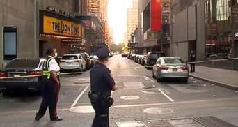 В Нью-Йорке продавцы устроили ссору: один из них выстрелил в прохожего