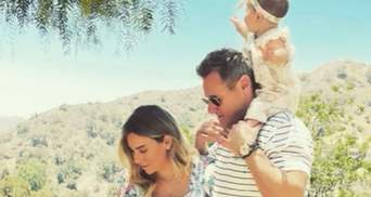 Экс-муж Меган Маркл станет отцом во второй раз: фото с беременной женой и дочерью