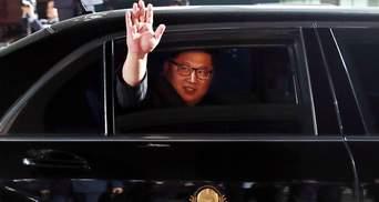 Захід чекає поки Кім Чен Ин сам попросить діалогу, – Печій